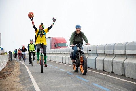 Bridge Lane Opens to Bikers, Walkers
