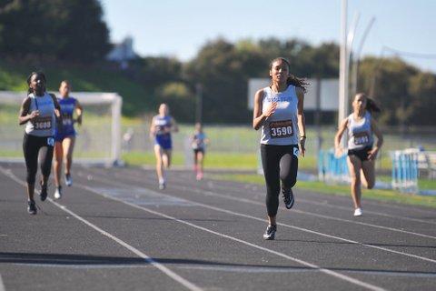Brote Detiene la Temporada de Atletismo de Richmond