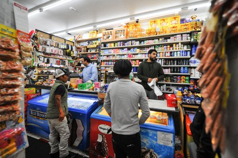 La Familia Market Keeps Prices Steady As Wholesale Costs Rise