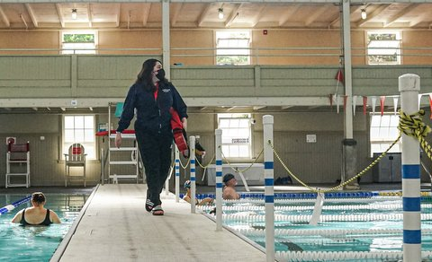 Pool Lanes Open Up in Richmond, Lifeguards Needed